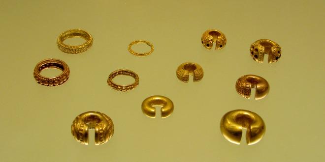 Piezas en oro