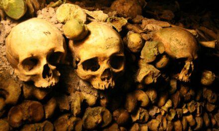 Las catacumbas de París, la ciudad de los muertos
