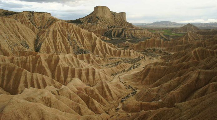 Formaciones-rocosas-en-Las-Bárdenas