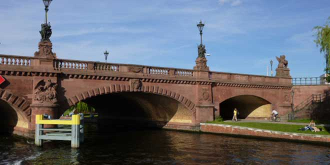 Berlín-Moltke-Brücke