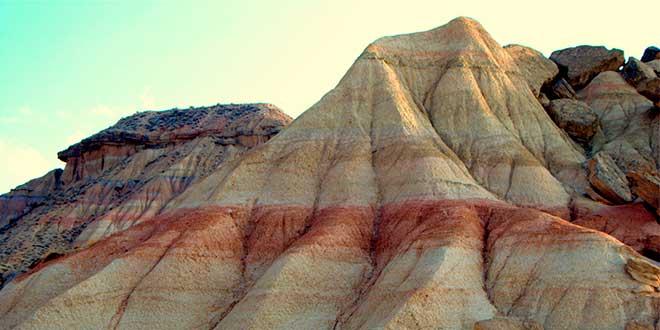 Formaciones-rocosas-en-Las-Bárcenas