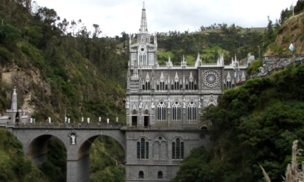 Santuario de las lajas: joya religiosa y arquitectónica