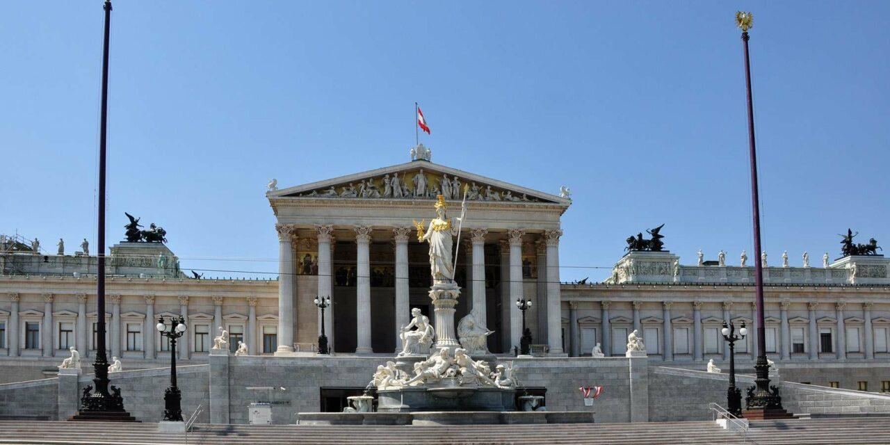 Parlamento de Viena: belleza griega en Austria