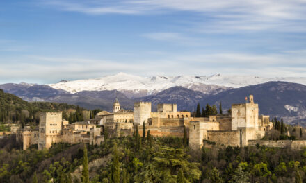 La Alhambra: ciudad medieval Nazarí