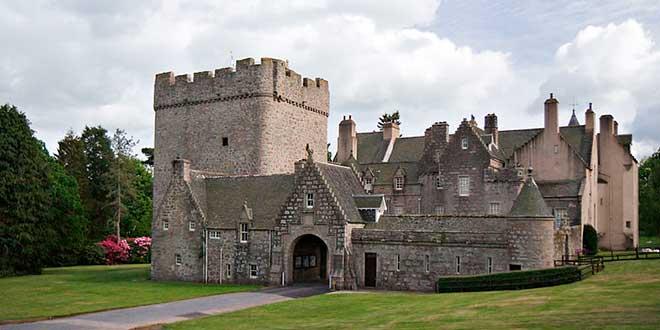 Drum-Castle-