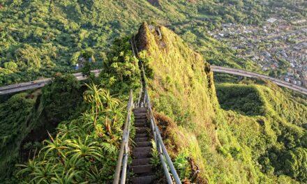 Haiku Stairs, las escaleras hacia el cielo