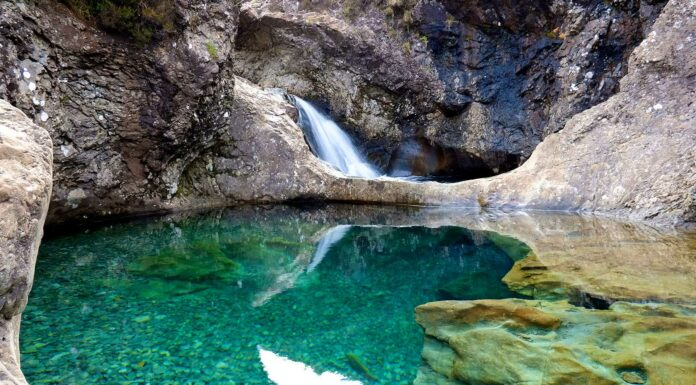 Las-fascinantes-Fairy-Pools-de-la-isla-de-Skye