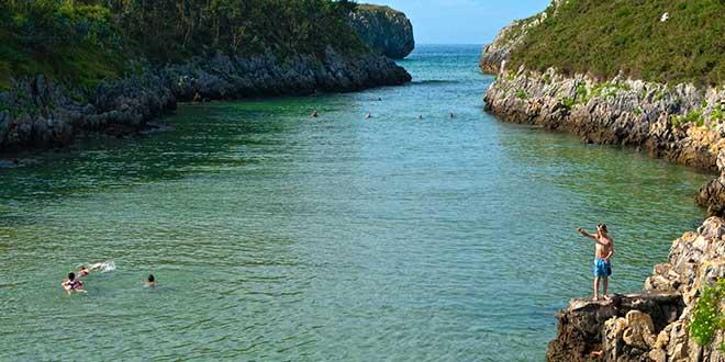 Llanes-playa-de-Guadamia