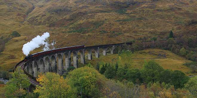 Tren-Jacobite-sobre-viaducto-de-Gelennfinnan