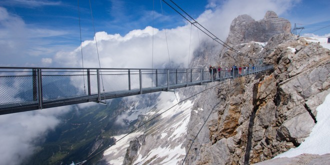 dachstein-suspension-stariway-to-nothingness-austria-woe1