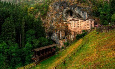 Predjama: un castillo bajo la roca