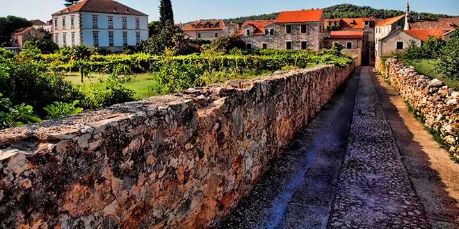 Resultado de imagen de Llanura de Stari Grad