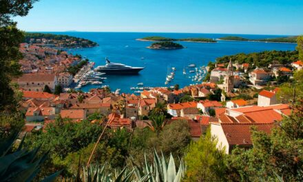 Hvar, la isla del sol, de las flores y del glamour