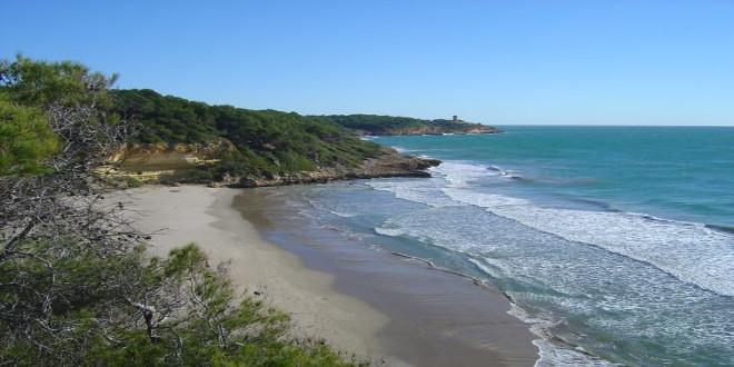 Costa Dorada, los acantilados para naturistas