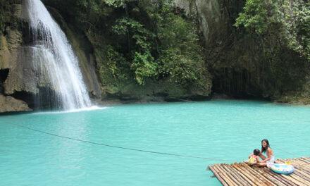 Las increíbles cascadas Kawasan en Filipinas