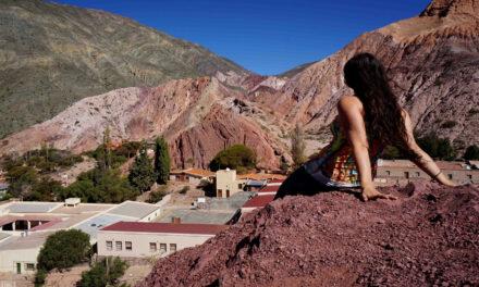 El impresionante Cerro de los Siete Colores