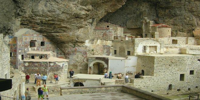 Plaza del monasterio