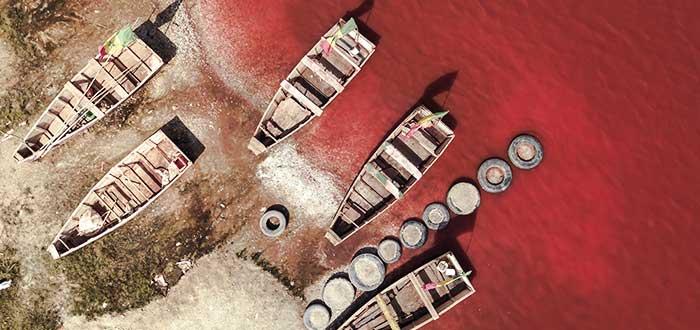 botes-en-el-lago-retba