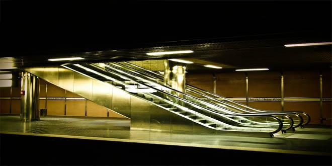 escalator-891252_1920