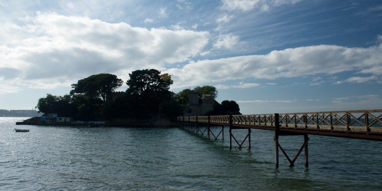 La pequeña isla de Santa Cruz en Colombia
