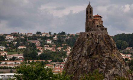 Saint-Michel d'Aiguilhe, la iglesia en lo alto de un peñón