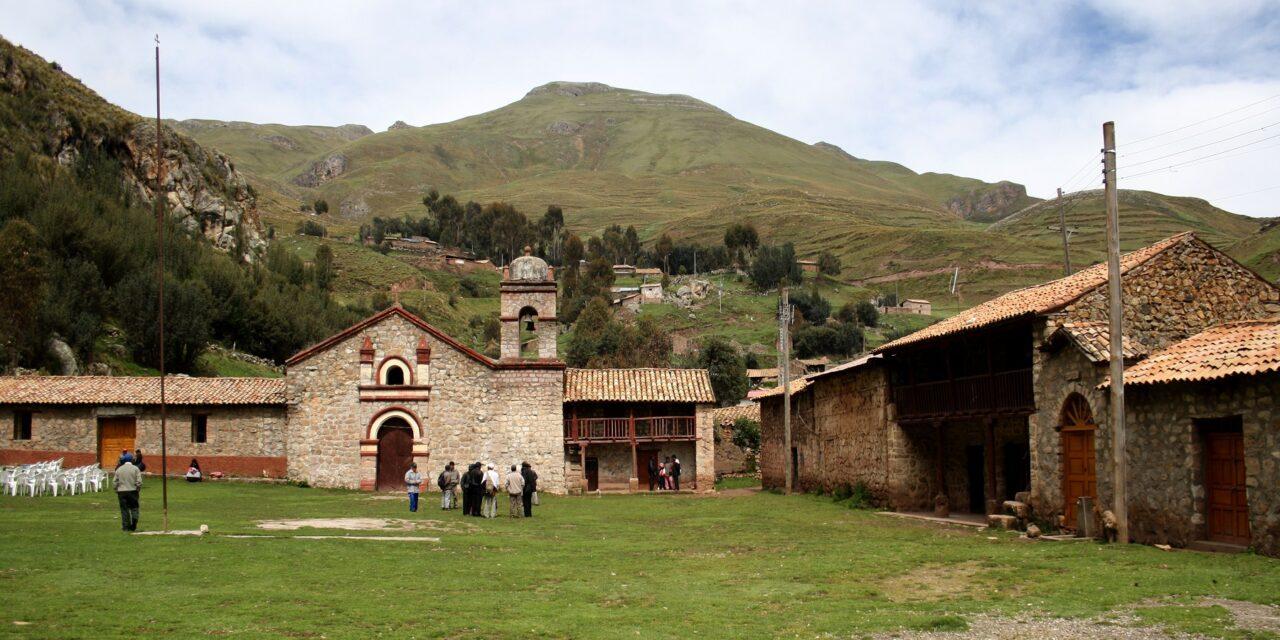 Sacsamarca, el pueblo de piedra