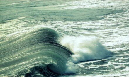Las 4 mejores playas de Europa para surfear