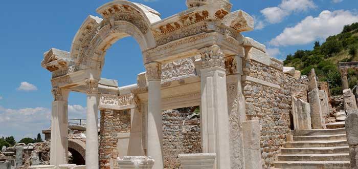 Qué ver en Éfeso: Templo de Adriano