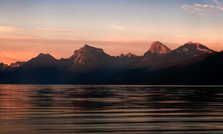Lago McDonald: Un lago de mil colores