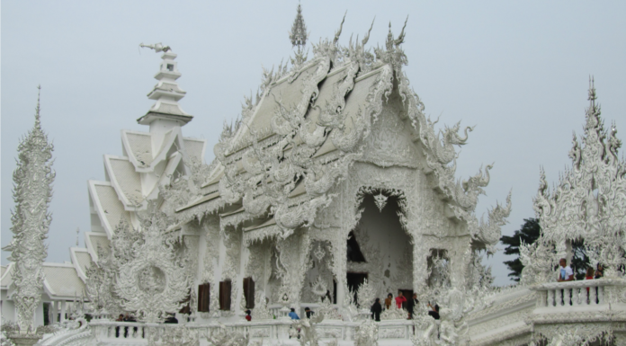 Wat Rong Khun; el hermoso Templo Blanco de Tailandia