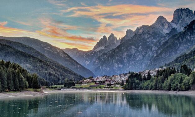 Los Dolomitas, paisaje alpino de Italia