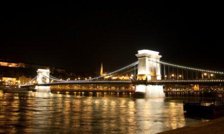 El Puente de las Cadenas, el más antiguo de Budapest