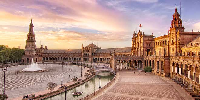 ATardecer-en-Plaza-de-España-de-Sevilla