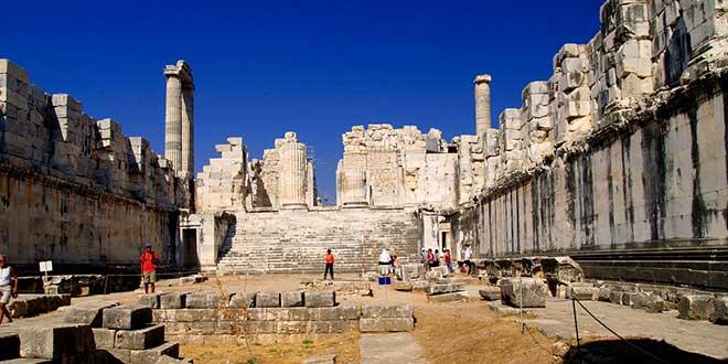 Interior-Templo-de-Apolo-en-Didima
