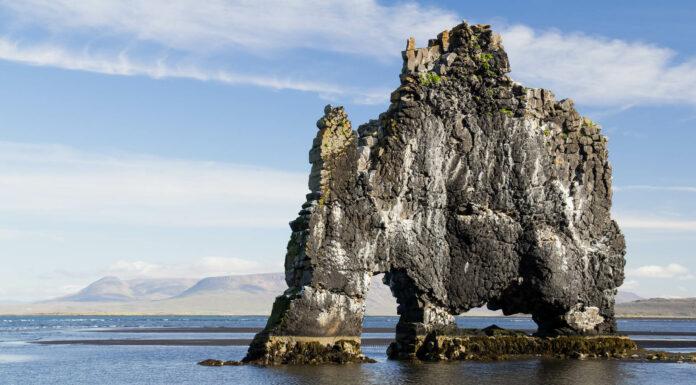 Hvítserkur, el dinosaurio de Islandia