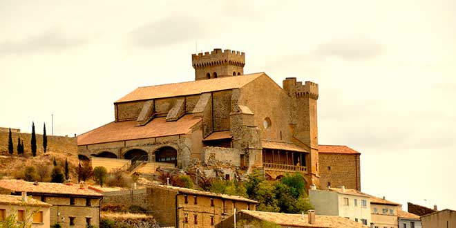 Iglesia fortaleza de Ujue
