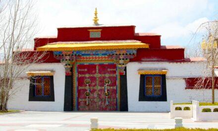 Palacio Norbulingka, la joya del parque