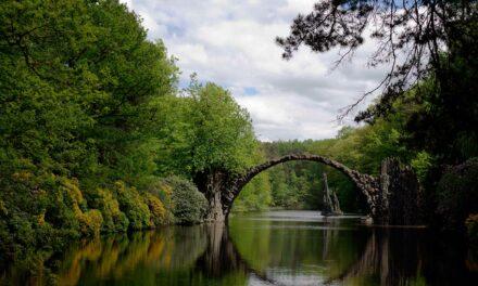 El puente de Rakotzbrücke, el puente del diablo