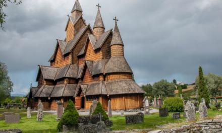 Iglesia de Heddal, una joya de madera en Noruega