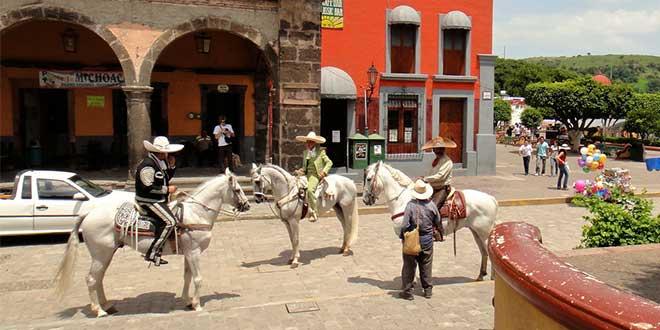 Plaza-en-Tequila