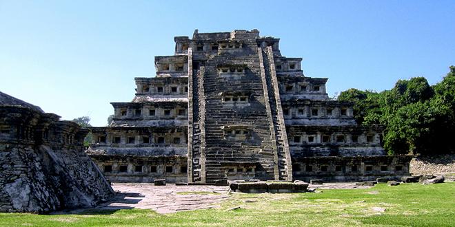 Piramide-El-Tajin