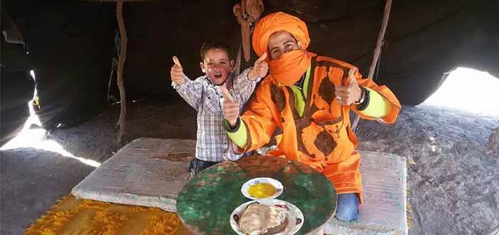 Comiendo con los bereber