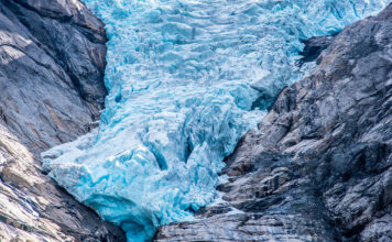 Glaciar-de-Briksdal