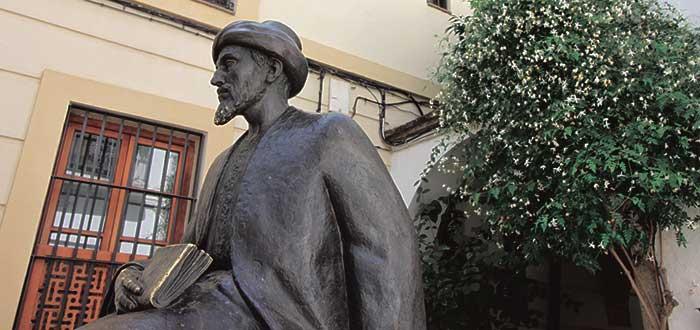 Estatua deMaimonides, el sabio Judío