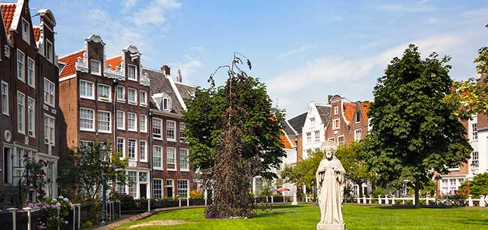 Que ver en Amsterdam, Begijnhof
