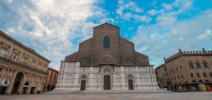 Que ver en Bolonia, Basílica de San Petronio