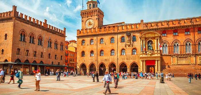 Que ver en Bolonia, Piazza Maggiore