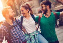 Ventajas de hacer amigos durante un viaje