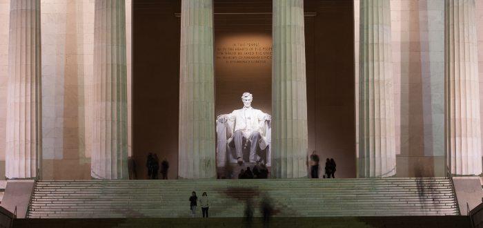 Qué ver en Washington, Monumento a Abraham Lincoln