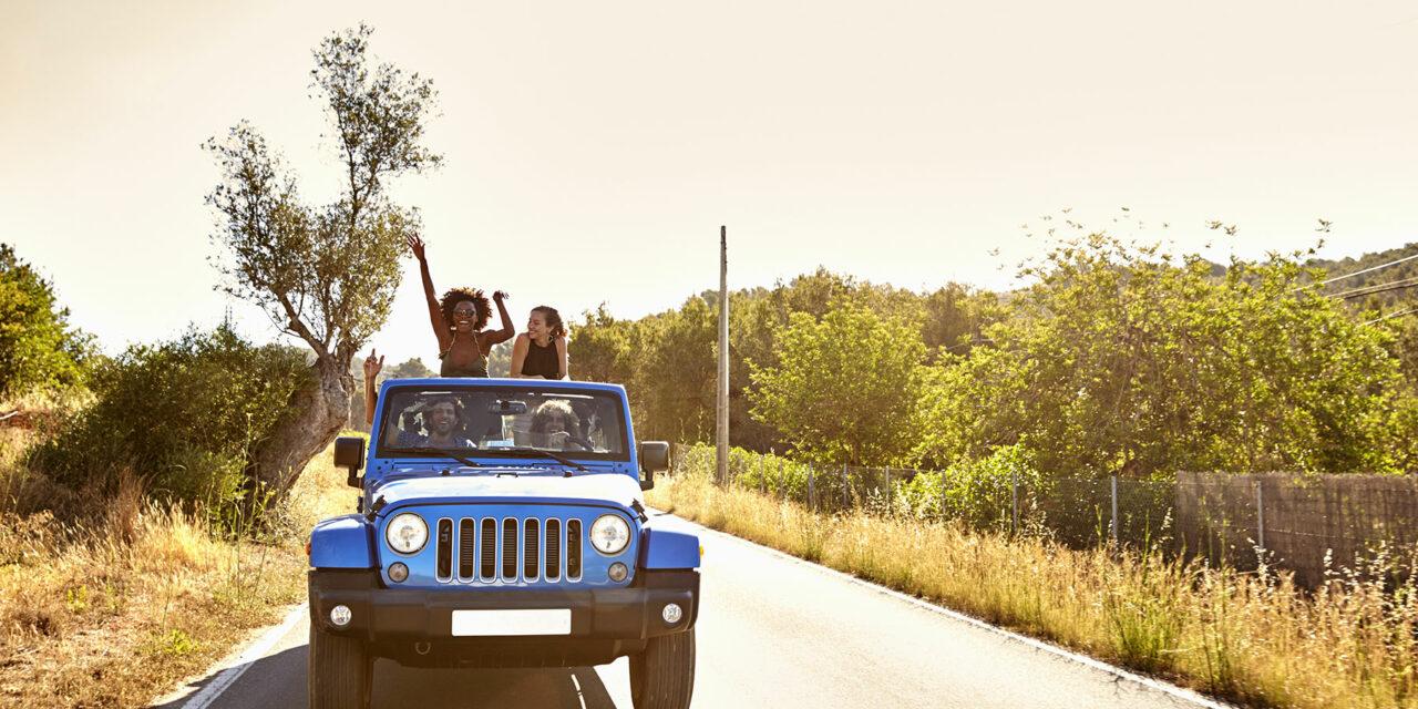 Ruta en coche por Ibiza. ¡Otra manera de conocer la isla!